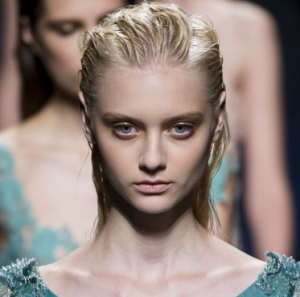 alberta-ferretti-fashion-makeup-beauty-slicked-hair-fashion
